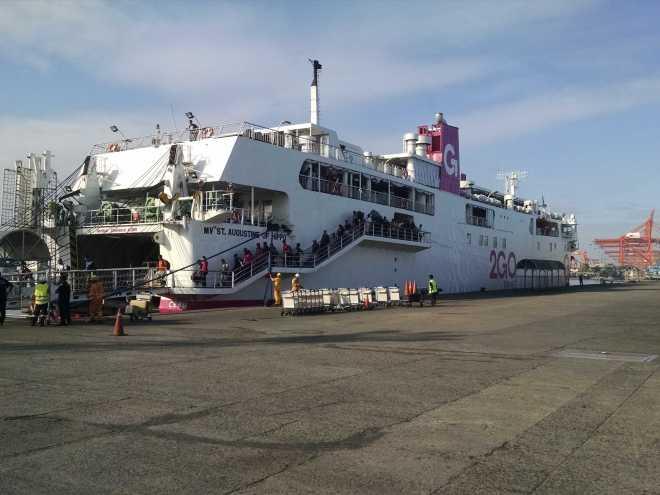 Ferry, Coron-Manila - 6