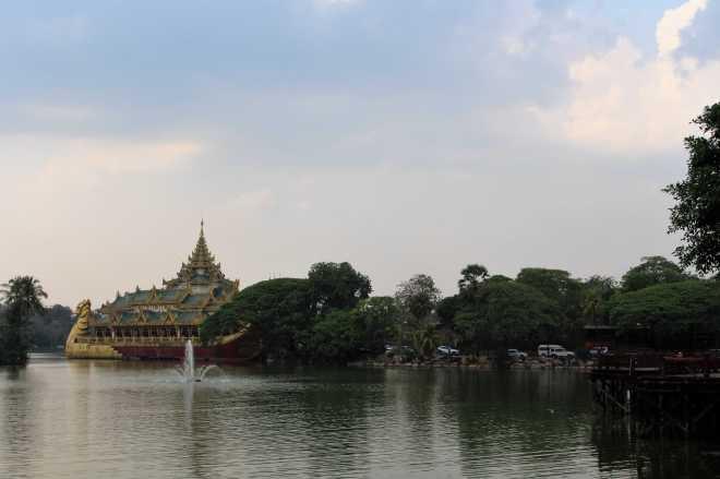 Yangon, Kandawgyi - 1