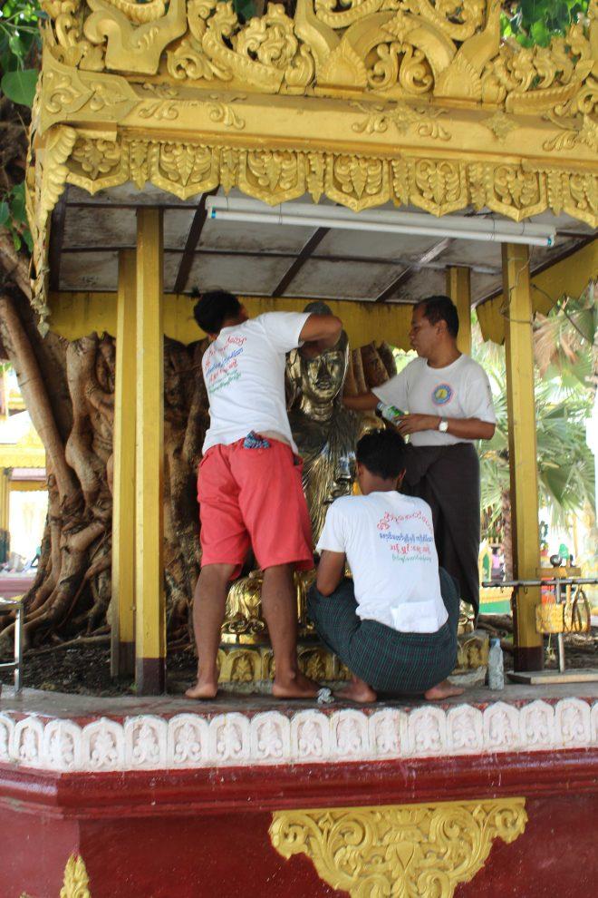Yangon, Shwedagon Pagoda - 15