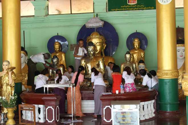 Yangon, Shwedagon Pagoda - 16