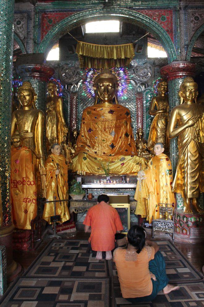Yangon, Shwedagon Pagoda - 22