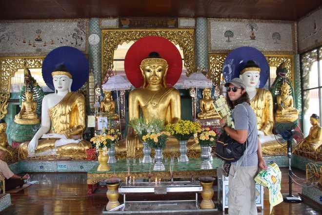 Yangon, Shwedagon Pagoda - 27